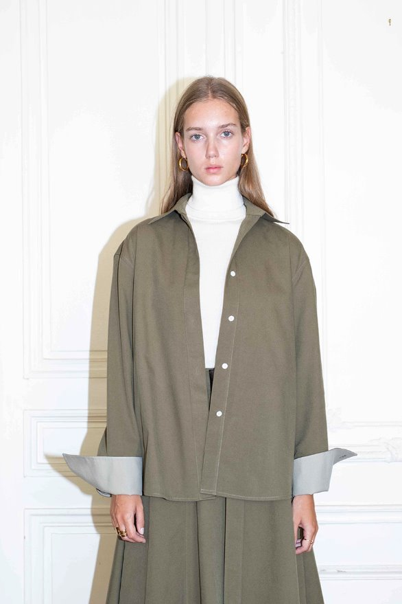 LOUVRE oversized boy shirt (Khaki & Light mint)